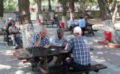 Sokaklar Boşaldı da 65 Yaş Üstü Yasağa Pek Uymadı