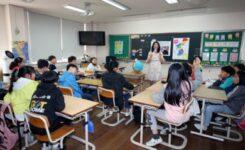 Korona Normalleşmesinde İhtiyat Şart: Güney Kore'de Okullar Yeniden Kapatıldı